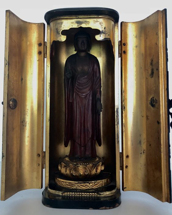 Rare, outstanding Butsudan or home altar with wooden statue of Amida Buddha 阿弥陀仏 - Japan - ca. 1880