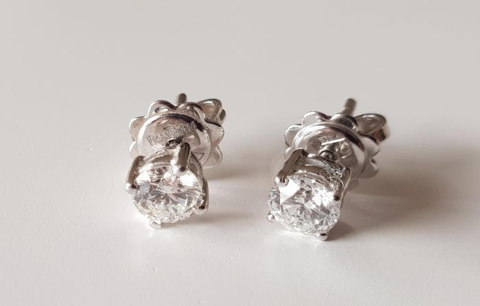 18 carats Or blanc - Boucles d'oreilles - 0.81 ct Diamant