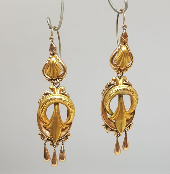 Antique bourbon earrings (Italy, second half of 19th Century), yellow gold