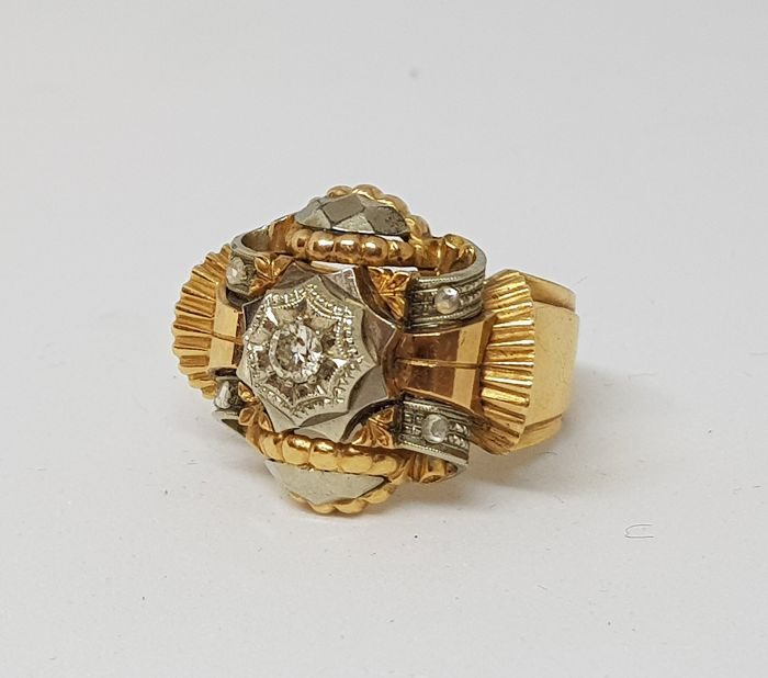 Antique ring, 1950s, yellow and white gold, with 1 ct brilliant cut diamond