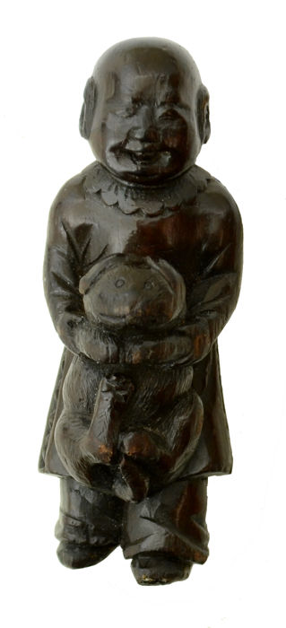 Lacquered Netsuke Karako with dog signed 一竹 Itchiku (identified through Kakihan) - Japan - 19th century