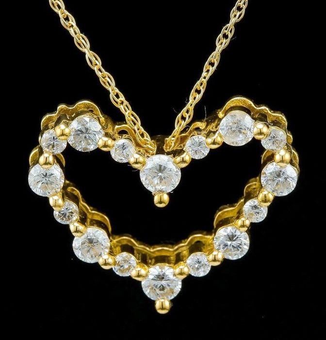 0.69 ct pendant made of 18 kt yellow gold with necklace and diamonds -no reserve-