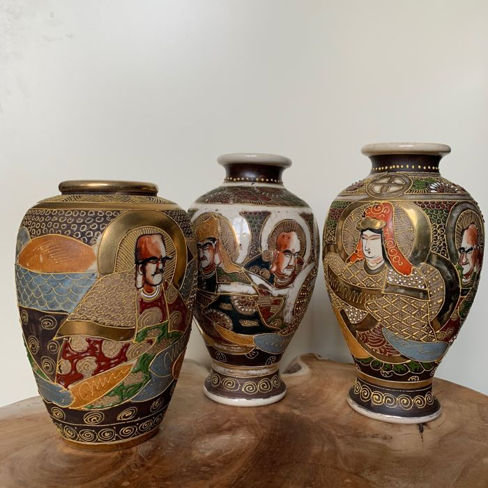 Three Satsuma vases - Japan - Ca. 1930
