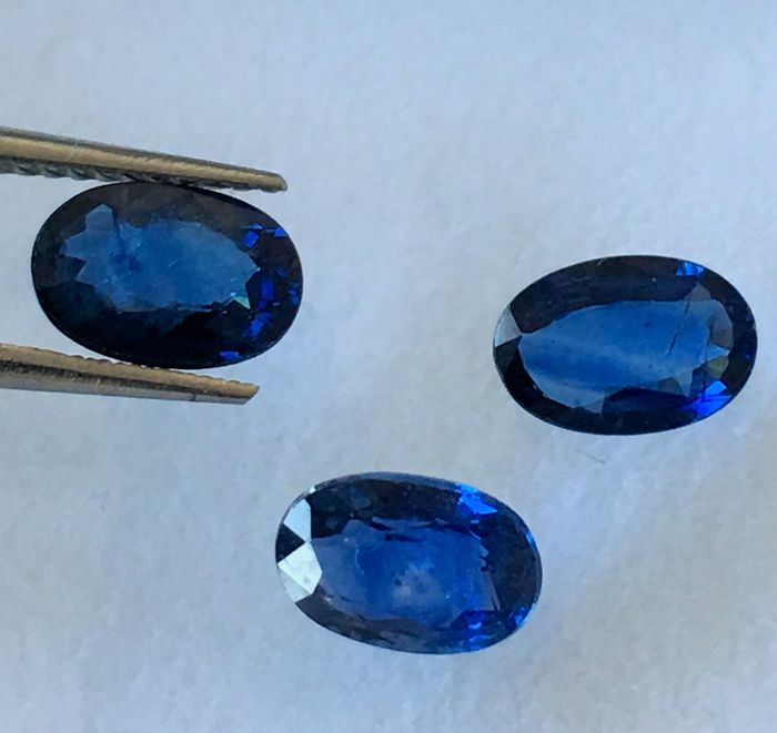 Sapphire - 1.87 cts total - 3 pieces