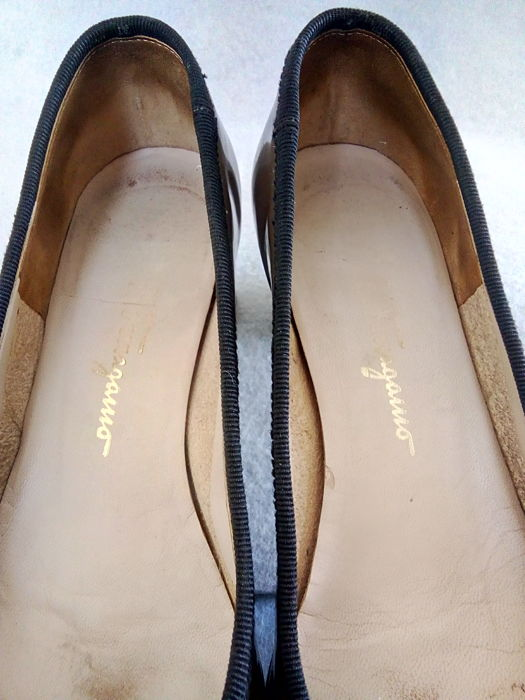Salvatore Ferragamo COURT SHOES.  Marcar como lote favorito  favorito 1ff1857efa