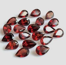 Garnets - totalling 15.82 ct - 20 pieces