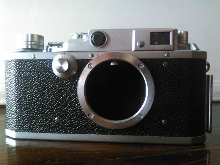 Canon IId1 rangefinder camera (1952-54) with Industar-61 L/D f2.8/55mm lens. Japan 1952