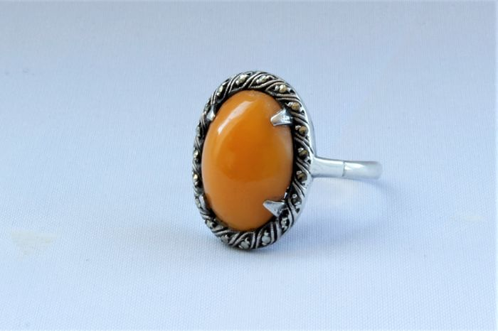 Ring of silver with Amber and small Marcasites. Around 1930-1940.
