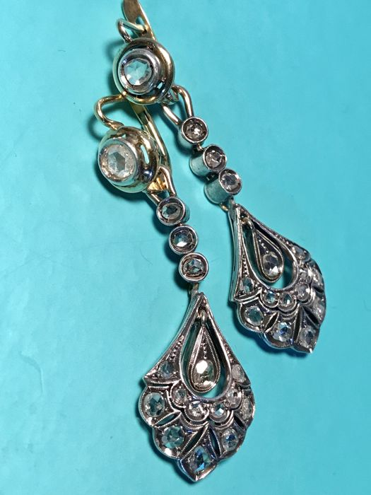 Earrings in 8 kt yellow gold and 925/°°° silver, antique cut diamonds, size: 51 x 16 mm
