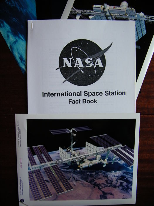 Int Space Station: Foto's en NASA Fact Book - Kodak Photo Paper en papier