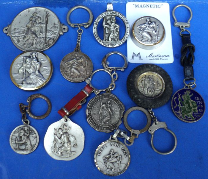 Decorative object - Christopher 11 Different Collector's Items - 1970-1950 (11 items)