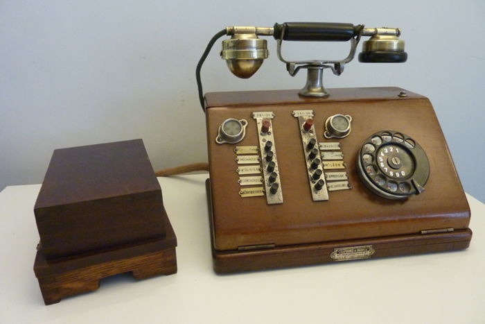 Show current auctions - Antique Desk Phone - Telephones & Signaux - Telephone - French Oak