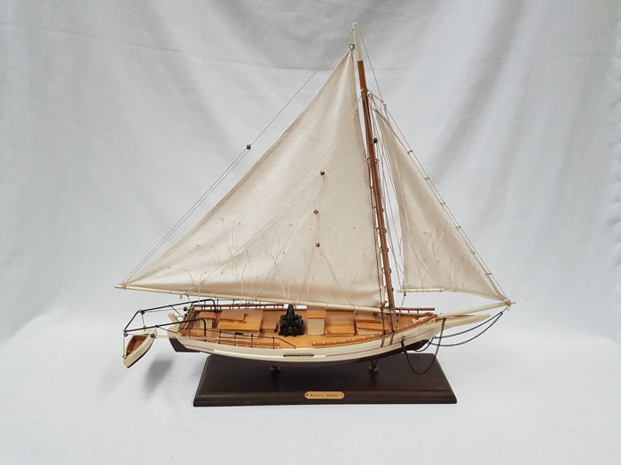 Model sailing ship Skipjack - Wood and cotton sails