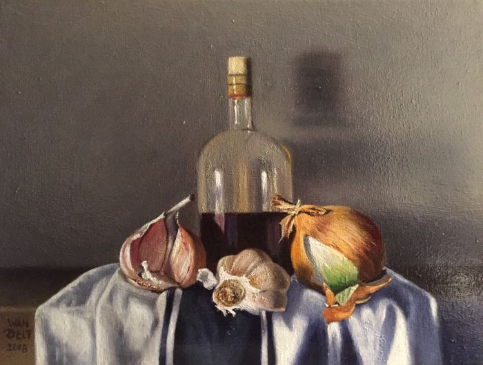 HP Wandelt - still life with vinegar, garlic and onion