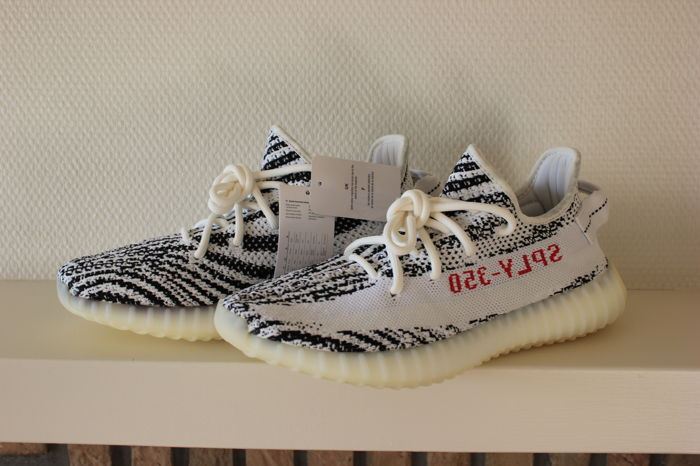hot sale online deb3a a855e Adidas - Yeezy 350 V2 Zebra 40 2/3 Sneakers - Catawiki