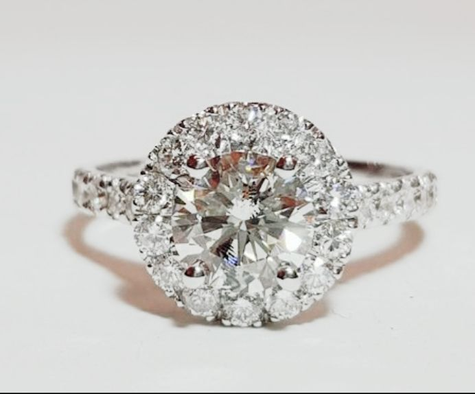 White gold ring (18 kt) with diamonds for 2.14 ct LOW RESERVE PRICE