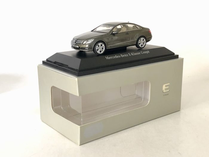 schuco - 1:43 - mercedes-benz e-klasse coupé - mercedes-benz
