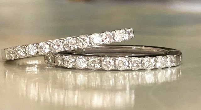 18 kt white gold creole earrings with a total of approx. 0.66 ct in brilliant cut diamonds, G/VS