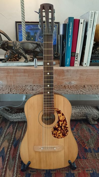 Vintage 7-string Russian guitar from the 70s