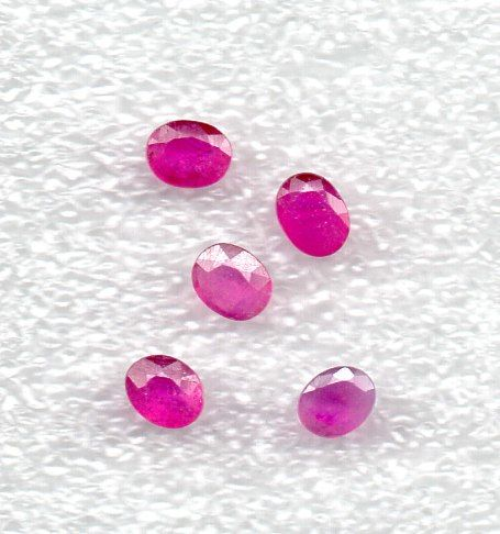 Ruby - 1.72 ct in total - 5 pieces