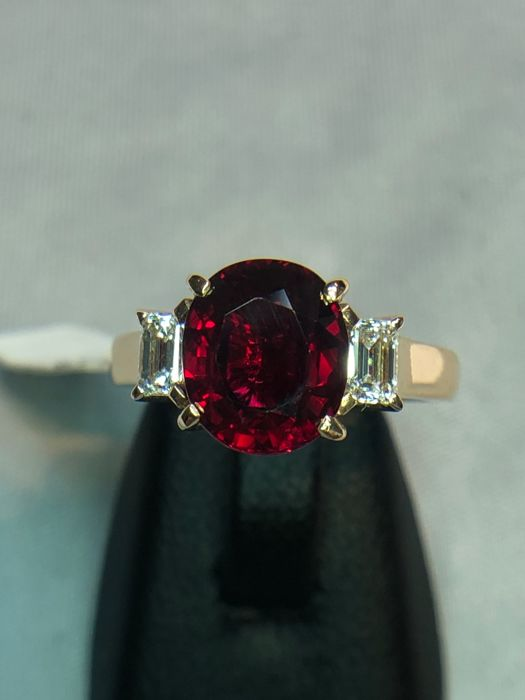 18K pink gold ring 3.79gr set with a red ruby 2.55ct and 0.27ct diamonds - EU 48 - free size change