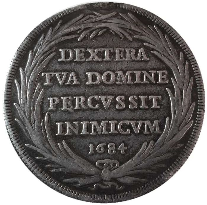 Papal State Piastra, 1684 Innocent XI Silver