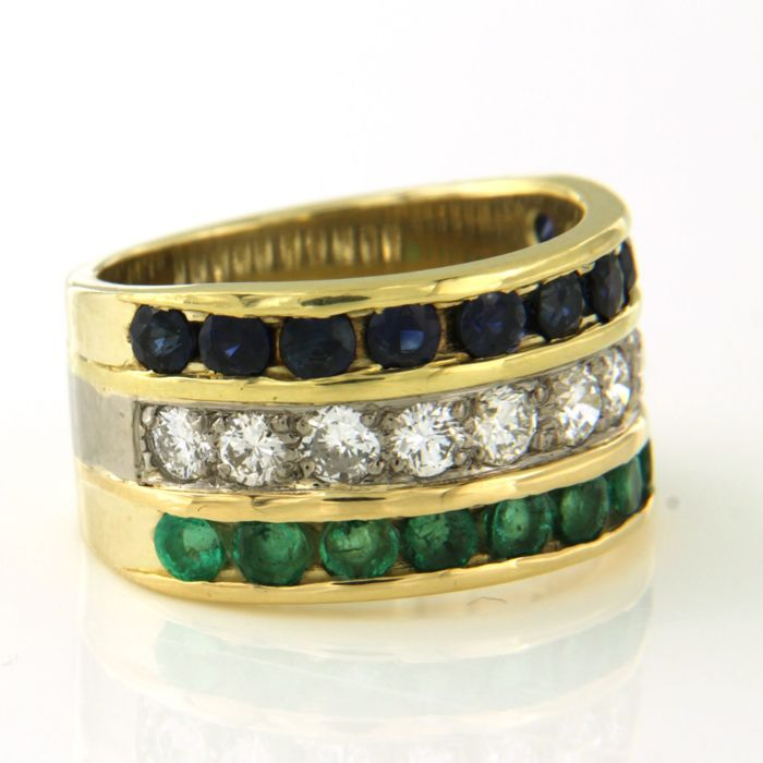 Ring - Gold, White gold - Commonly treated - 0.9 ct - Diamond and Emerald, Sapphire