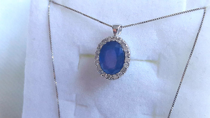 Necklace with Pendant - White gold - 1.43 ct - Sapphire and Diamond