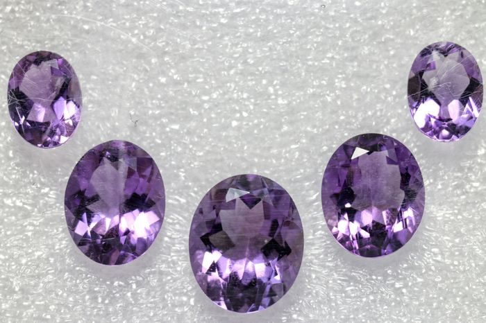 Amethyst - 10.2 ct. total - 5 pieces