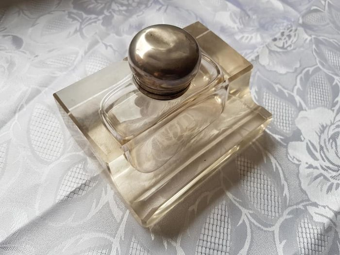 Unknown - Glass inkwell with silver-plated cap