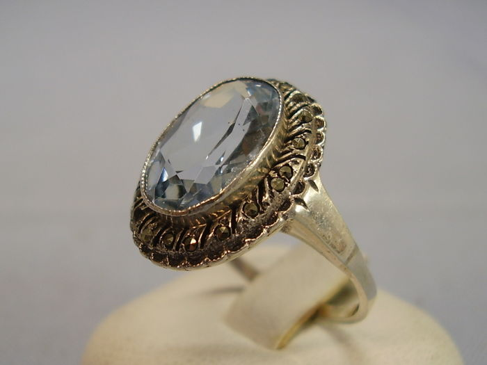 Art nouveau ring with light blue spinel of 4.5 ct and marcasite entourage