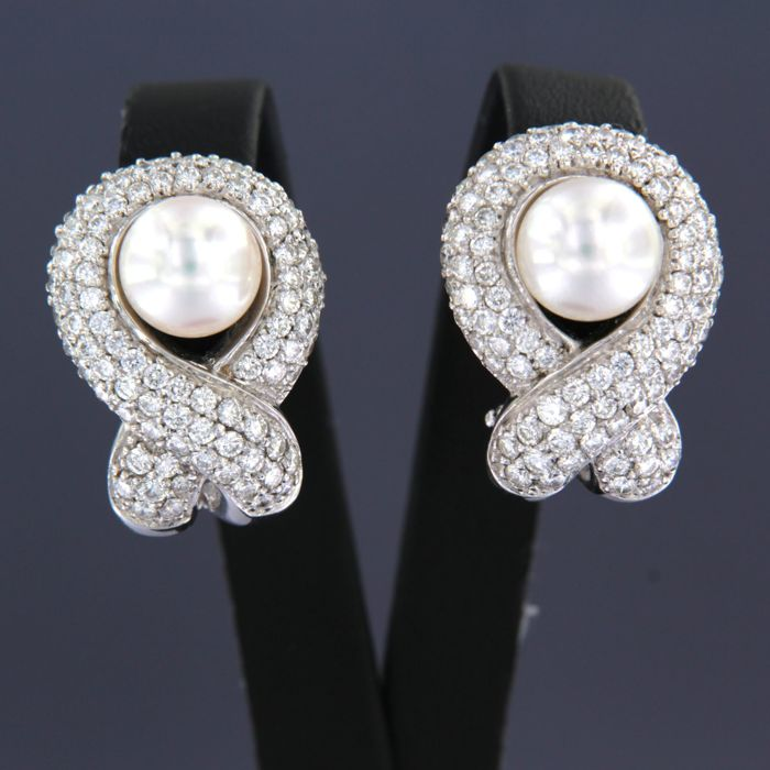 Earrings - White gold - Commonly treated - 4.5 ct - Diamond and Pearl