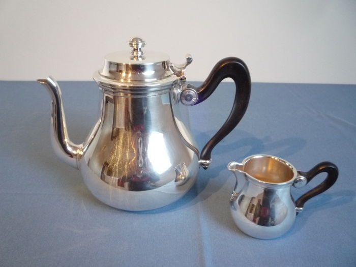 Coffee pot and milk jug with black wooden handle - Silverplate - France - 1950-1999