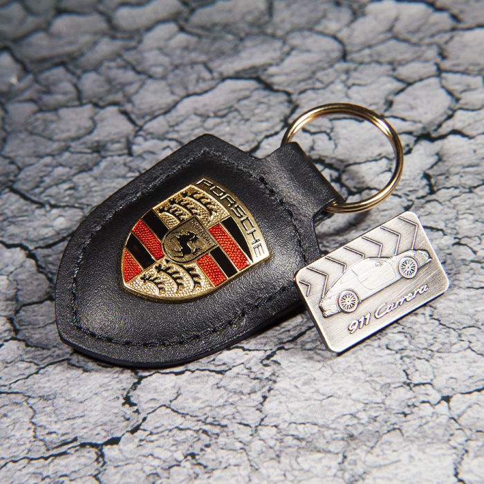 Insigne - Porsche Black Leather Keychain / Keyring & Badge - 2018-2018 (2 items)