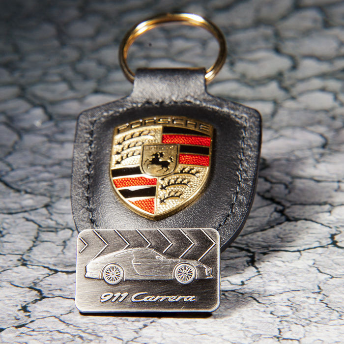 Porsche Leather Keychain Keyholder & Pin  - Fan, Figure, Labels, Limited edition, Medals, Miniature, Pin, Set, Sign (2) - Leather, Steel (stainless)
