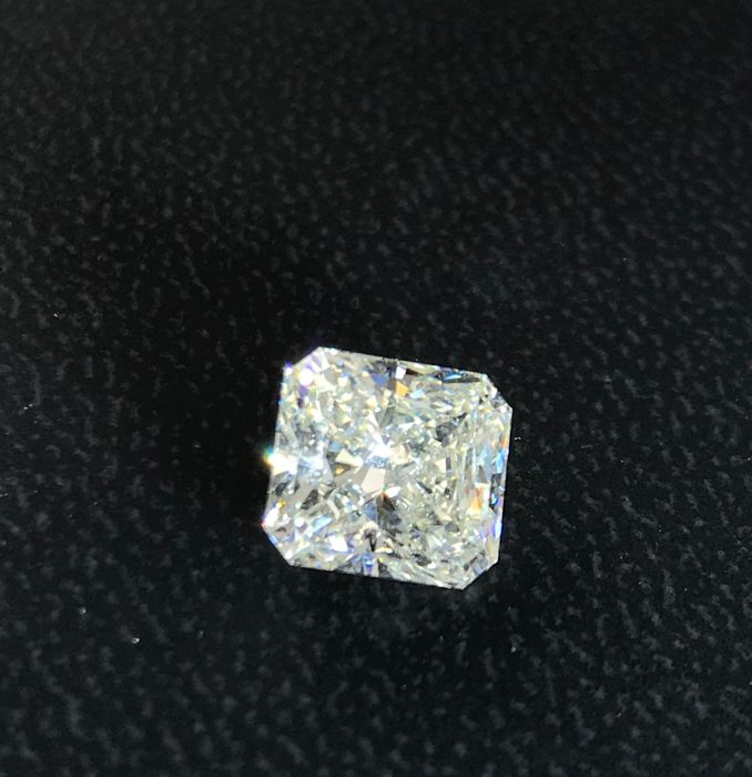 Beautiful Radiant Diamond 3.04 ct total ISI1 with Egl Usa Cert  certificate -  #223