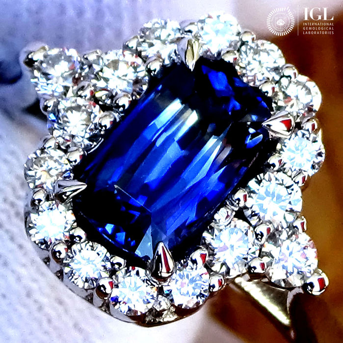 Sapphire Ring 1.48 ct Cocktail Diamond And Natural Blue Sapphire Gemstone in 18 kt white gold Size 6.5 US / 17 / 53 EU – Certified – No Reserve Price