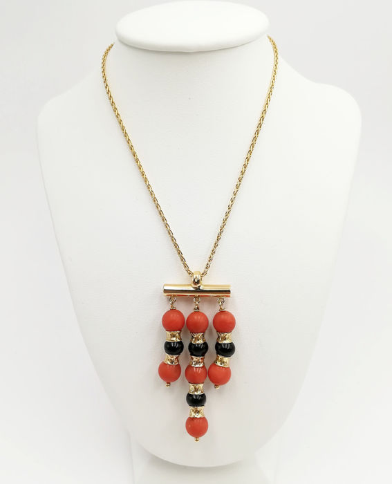 Necklace with Pendant - White gold - Sardinian Coral