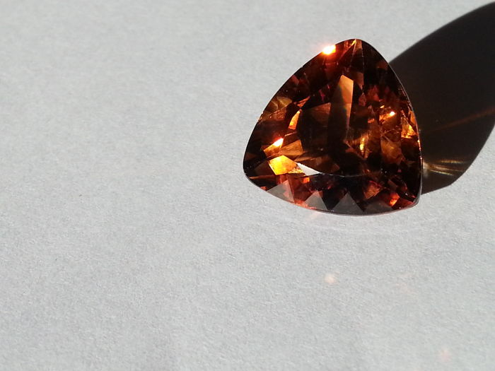1 Brown Topaz - 21.79 ct