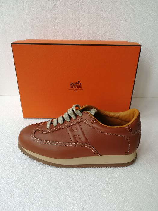 245631fcdd60 Hermès - Leather Quick Sneakers - Catawiki