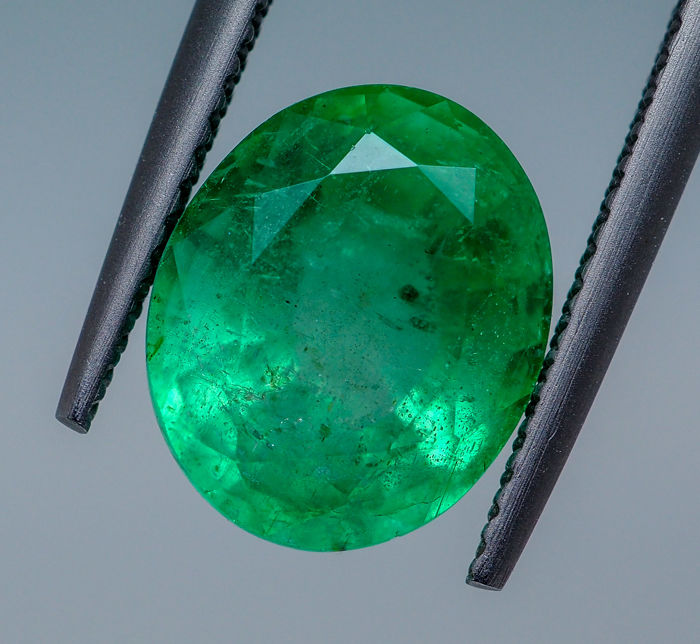 Emerald - 4.72 ct - No Reserve