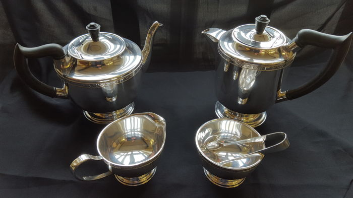 A 5 x piece silver plated tea & Coffee service