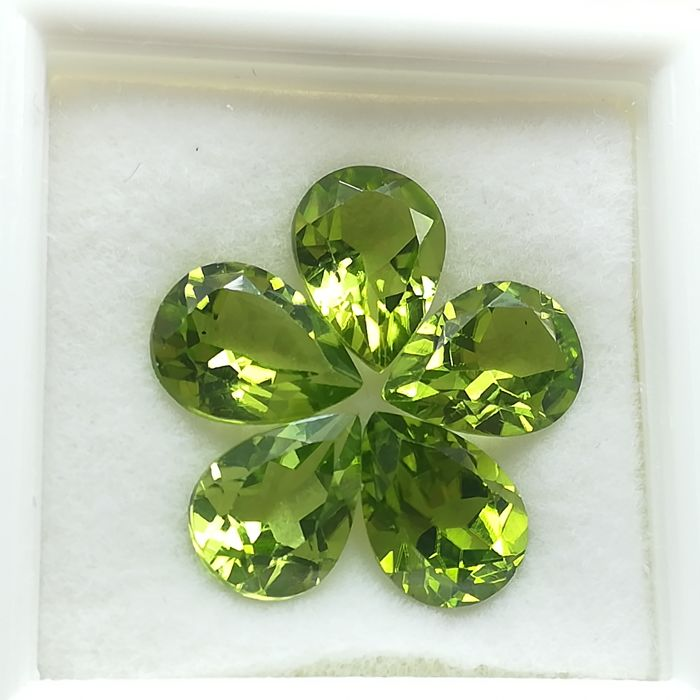 Lote de 5 Peridotos - 5.88 ct Total