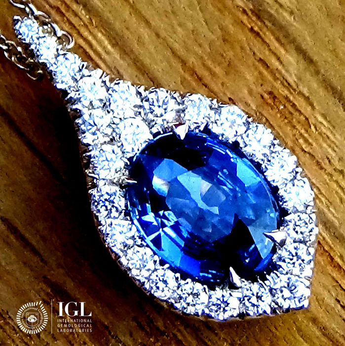 Blue Sapphire Pendant Necklace And Natural Diamond in 18 kt White Gold 1.38 ct - Certified - No Reserve Price