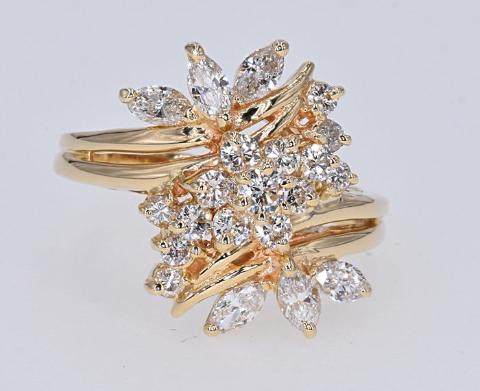 1.47 Ct Diamonds ring . 14kt gold, size 11 adjustable. NO reserve price.