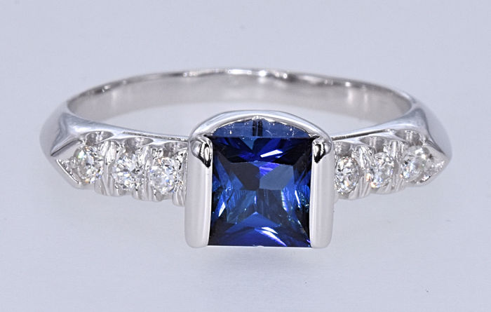 1.60 Ct Sapphire with Diamonds ring. 18kt white gold, size 13 adjustable. NO reserve price.