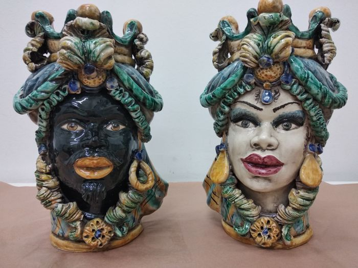 Caltagirone - Dark brown heads - Ceramic