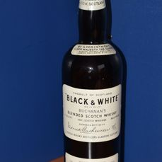 Black & White - Spring Cap - Buchanan's Blended Scotch Whisky