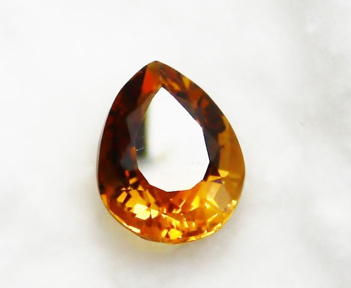 Topaz - 12.65 ct - No reserve price