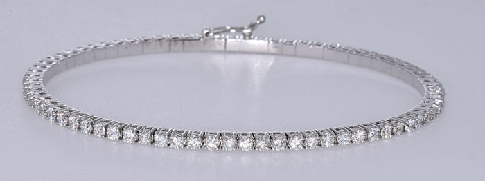 18 kt white gold 2.77 ct Innovative static and elastic tennis bracelet